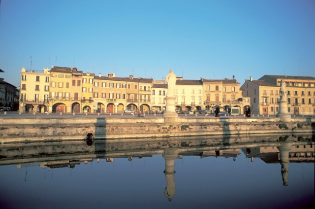 Padovaland parchi acquatici a padova for Mercato prato della valle
