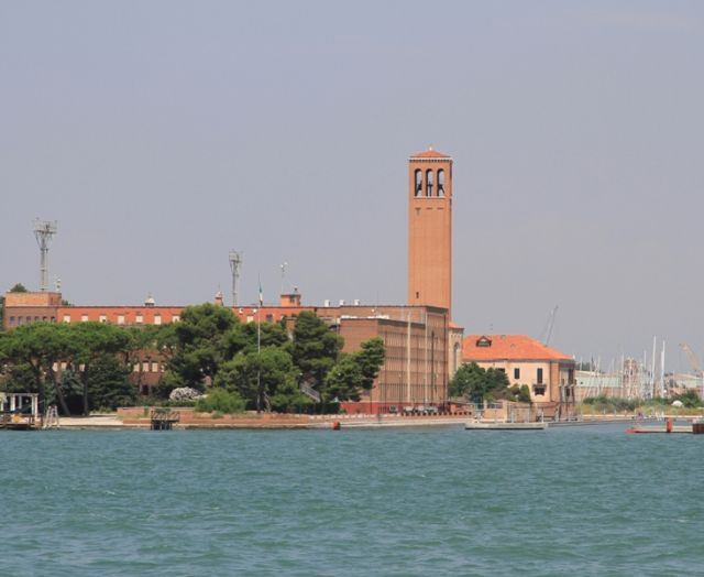 Torre sull'isola di Sant'Elena - Movingitalia.it