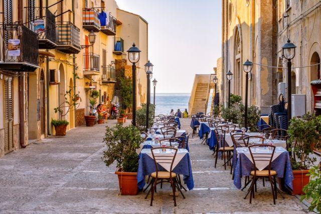 Tavoli e ristoranti a Cefalù - Movingitalia.it