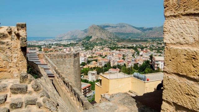 Vista del Castello, Carini Sicilia - Movingitalia.it
