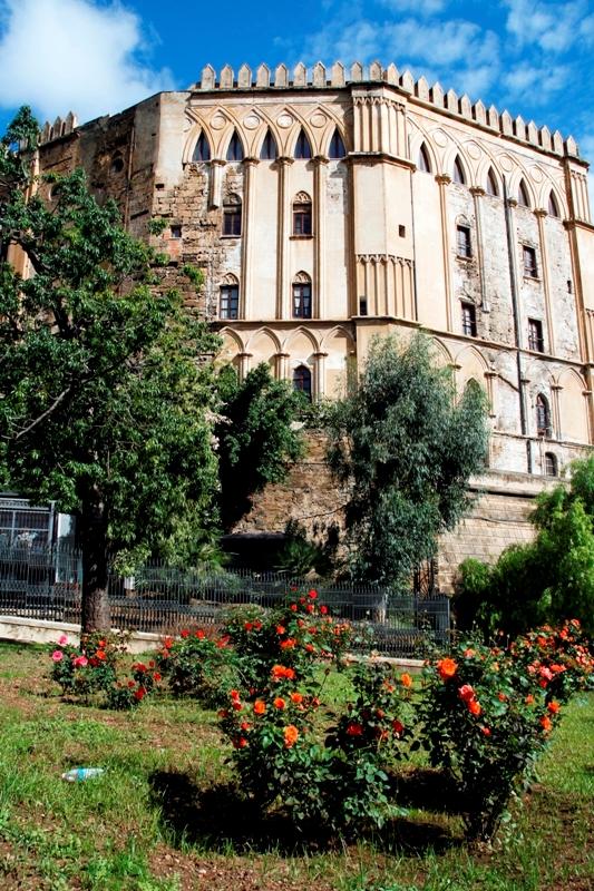 Palazzo dei Normanni - famoso palazzo a Palermo - Movingitalia.it