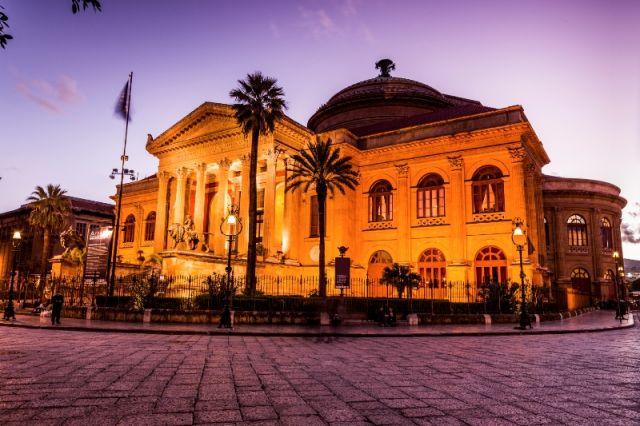 Edificio Teatro Massimo a Palermo