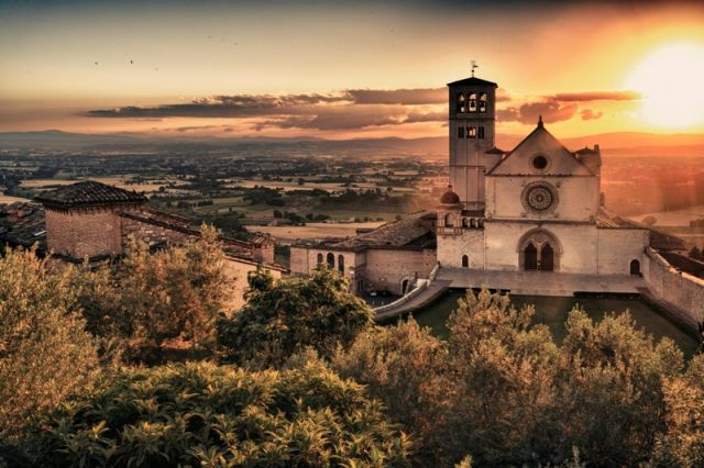 Tramonto ad Assisi - Movingitalia.it