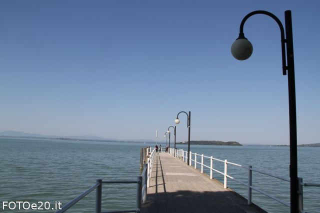 Pontile sul Mare a Passignano sul Trasimeno - Movingitalia.it