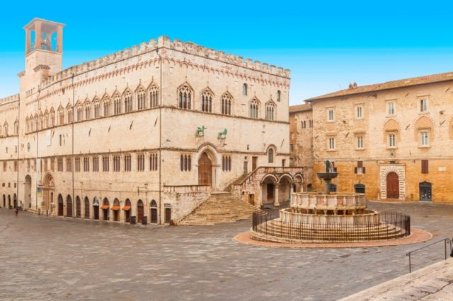Piazza a Perugia - Movingitalia.it