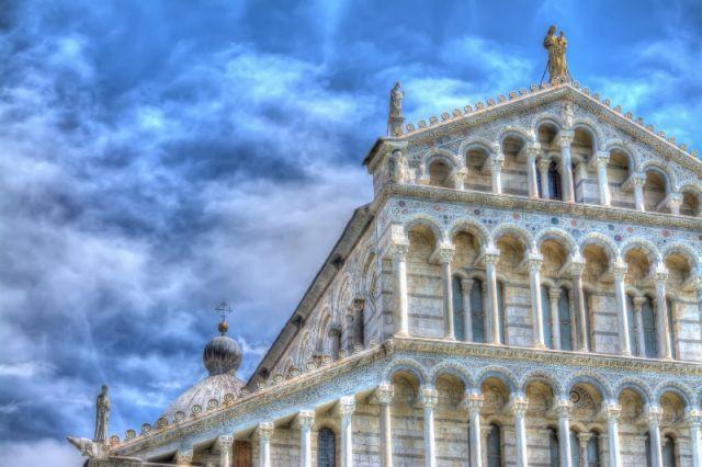 Facciata della Chiesa di Pisa - Movingitalia.it