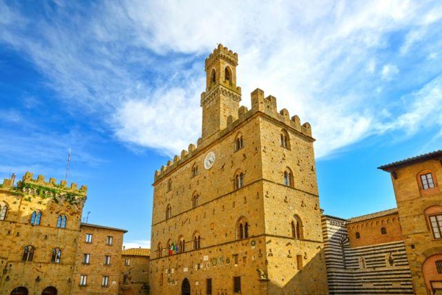 Volterra, palazzo medievale Palazzo Dei Priori punto di riferimento - Movingitalia.it
