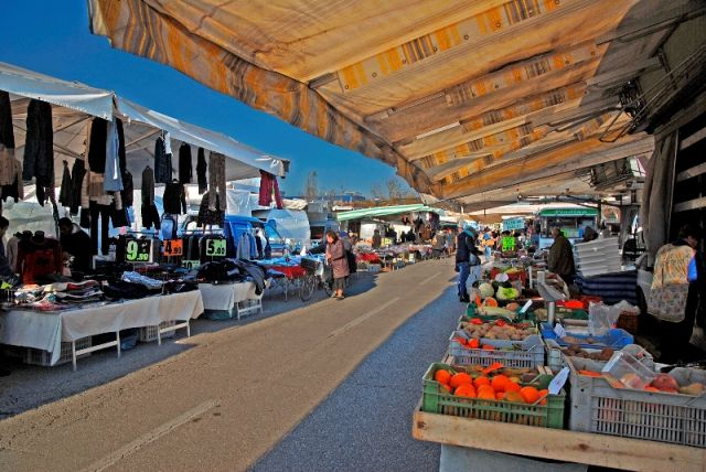 Mercatino tipico a Ravenna - Movingitalia.it