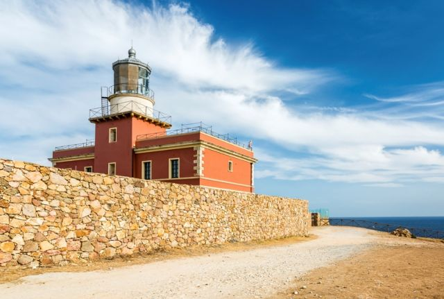 Foto panoramica di Capo Spartivento e faro - Movingitalia.it