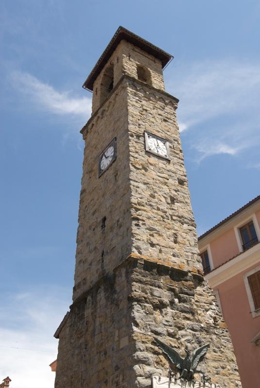 campanile ad Amatrice - Movingitalia.it