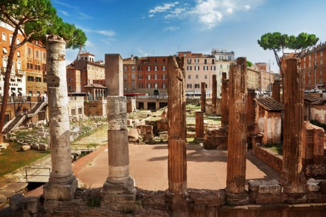 Monumenti a Largo Argentina a Roma - Movingitalia.it