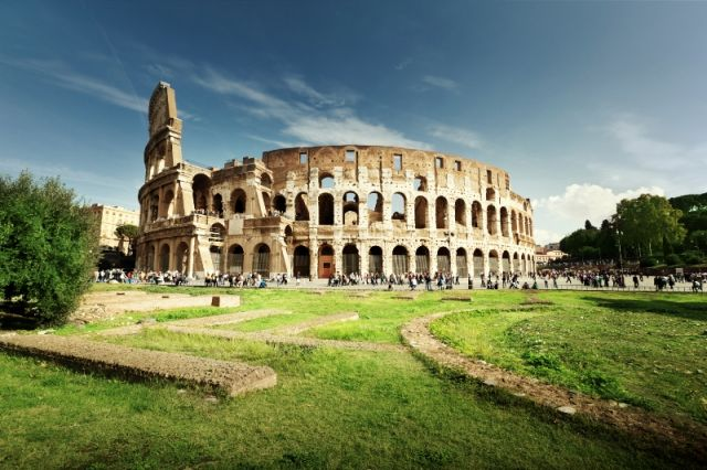 Monumento il Colosseo a Roma - Movingitalia.it