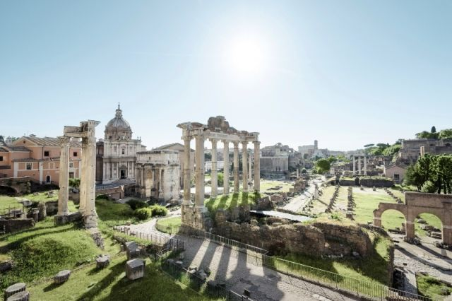 Rovine di Roma e colonne nel Forum - Movingitalia.it