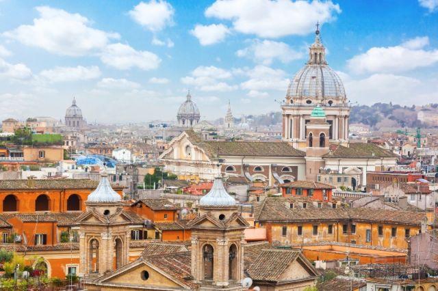 Case ed edifici sul Viale della Trinità dei Monti a Roma - Movingitalia.it