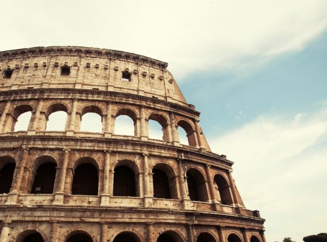 Colosseo a Roma - Movingitalia.it