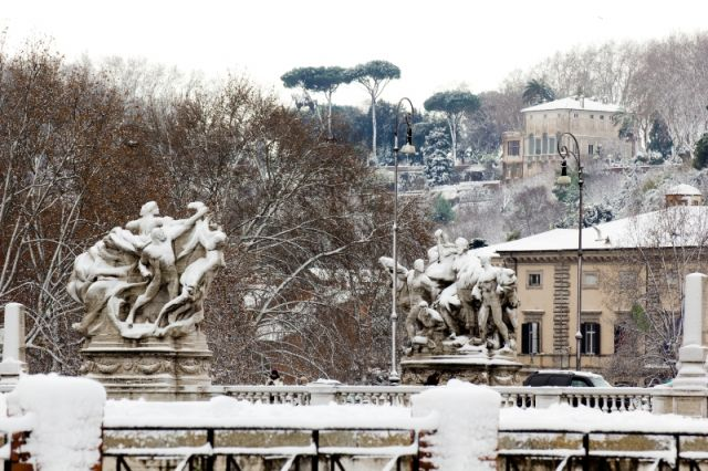 Roma Innevata - Movingitalia.it