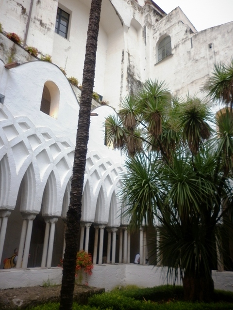 Villa bianca nella città di Amalfi - Movingitalia.it