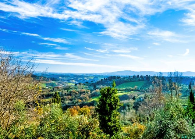 Colline a San Gimignano in Toscana - Movingitalia.it