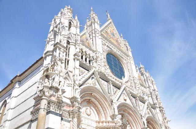 Facciata della cattedrale di Siena - Movingitalia.it