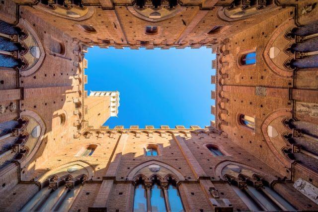 Palazzo della Torre del Mangia a Siena - Movingitalia.it