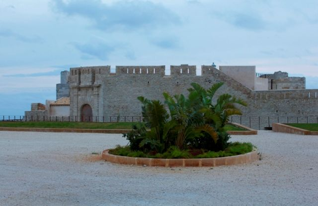 Vista del castello di Maniace, Ortigia - Movingitalia.it