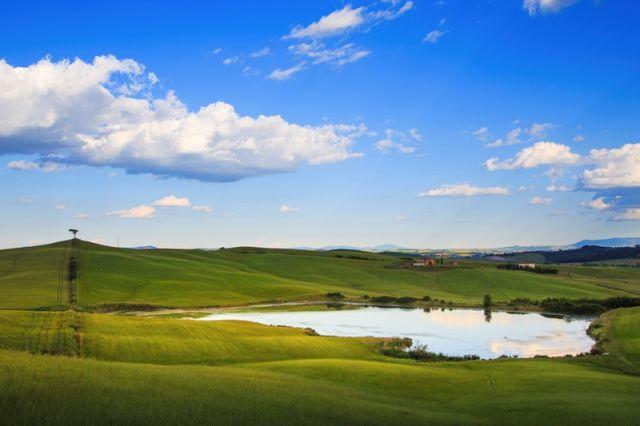 Valle laghetto e Toscana