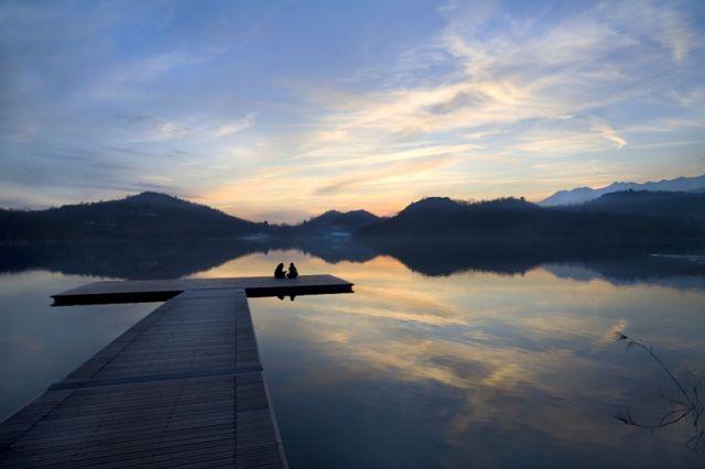 Meditazione e porticciolo nel lago Sirio - Movingitalia.it