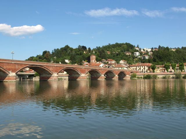 Panoramica ponte a Moncalieri - Movingitalia.it