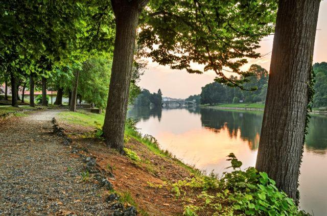 Torino parco e fiume Po