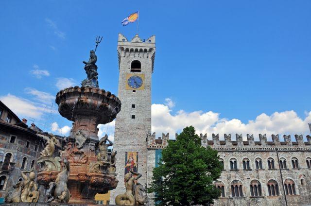 Piazza a Trento - Movingitalia.it