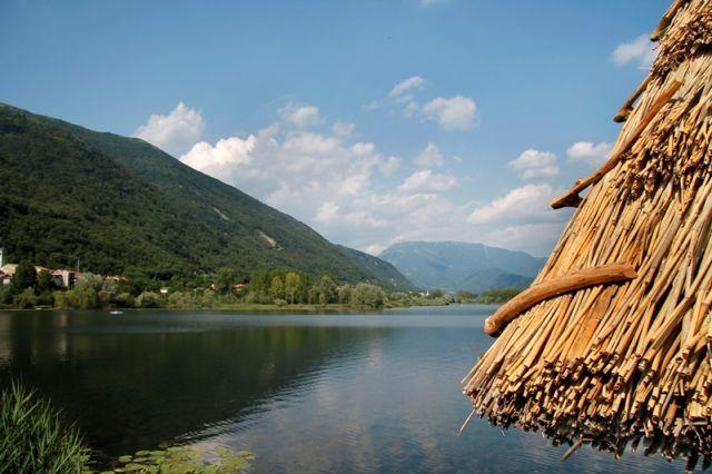 Italia immagini e foto laghi di tutta l 39 italia for Casetta sul lago