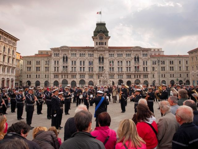 Cerimonia marina italiana a Trieste - Movingitalia.it