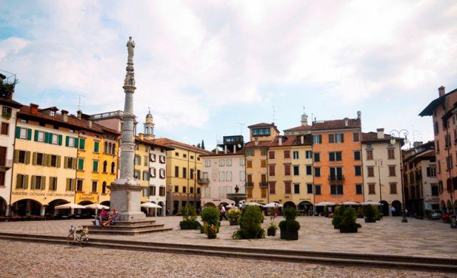 Italia immagini e foto piazze di tutta l 39 italia for Subito it arredamento udine