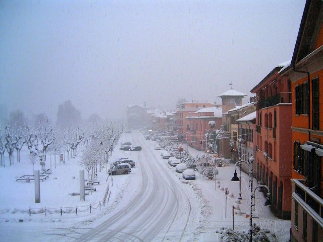 Piazza Garibaldi con neve - Movingitalia.it