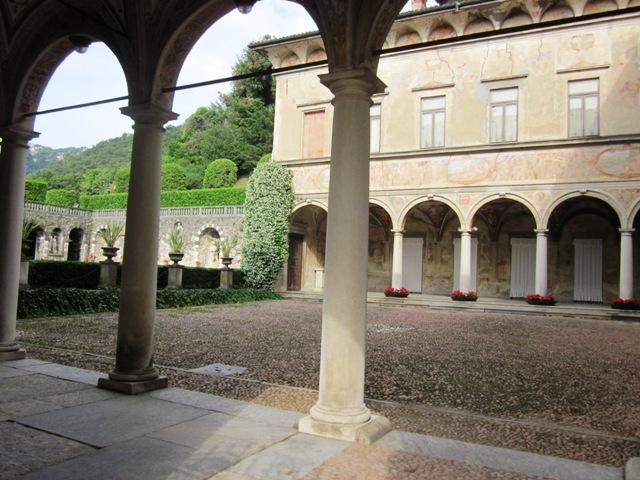 Vista interna Villa Cicogna - Movingitalia.it