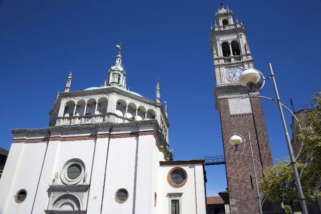 Facciata della Chiesa di Busto Arsizio - Movingitalia.it