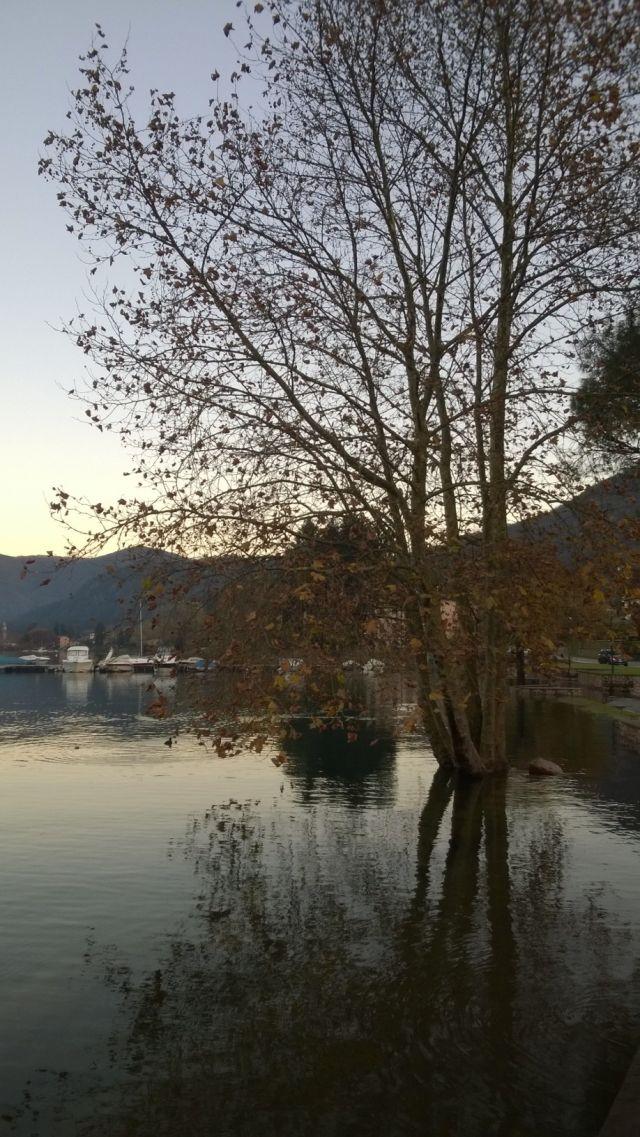 Lungolago Sommerso Lago di Lugano Ponte Tresa