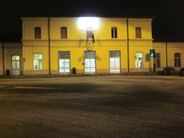 edificio stazione treni Varese - Movingitalia.it