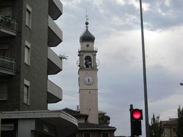 Campanile chiesa a Varese - Movingitalia.it