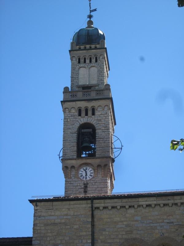 Campanile Chiesa di S. Ambrogio - Varese - Movingitalia.it