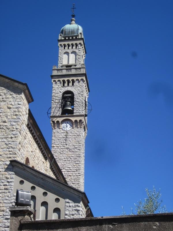 Veduta del campanile nella Chiesa di S. Ambrogio - Varese - Movingitalia.it