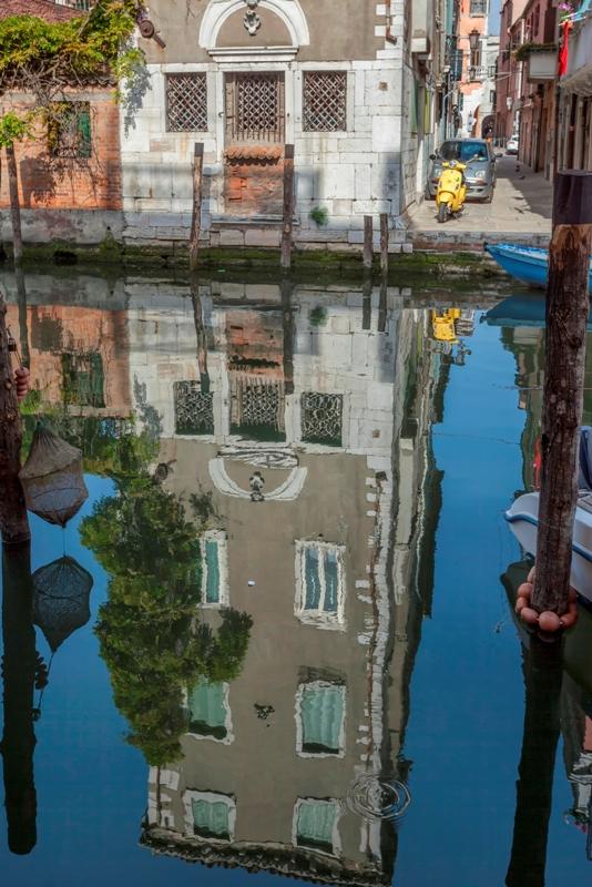 Riflessi sul fiume a Chioggia