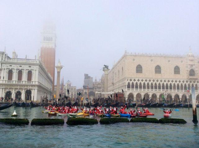 Regata di beneficenza in kayak Venezia 21 dicembre 2014