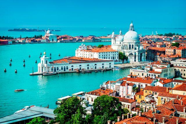 Foto panoramica della città di Venezia