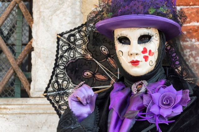 Carnevale a Venezia maschera tipica - Movingitalia.it