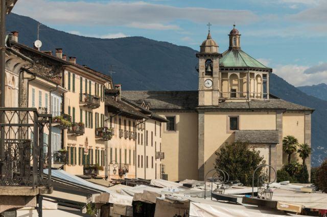 Mercato a Cannobio - Movingitalia.it