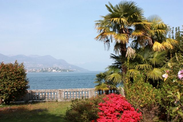 Foto panoramica e cielo a Stresa - Movingitalia.it