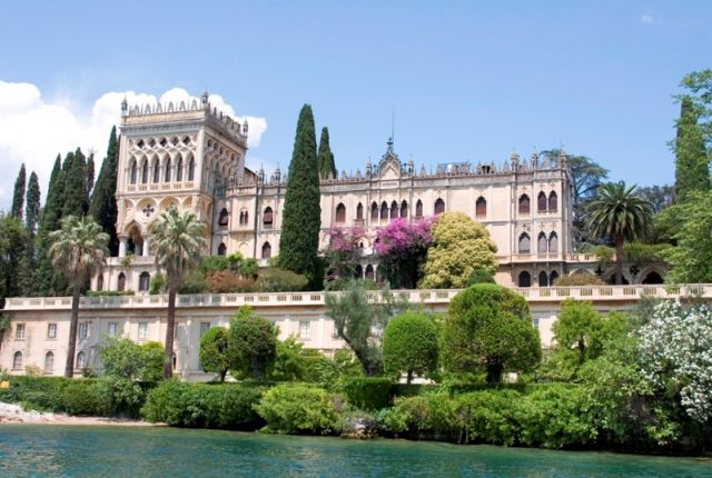 Castello del Lago di Garda - Movingitalia.it