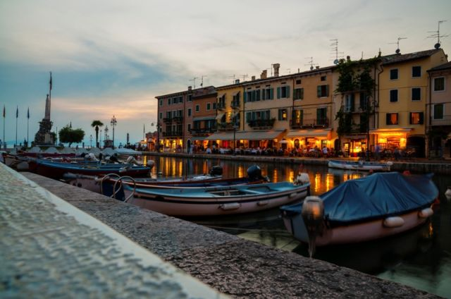 Porto a Lazise nel Veneto - Movingitalia.it