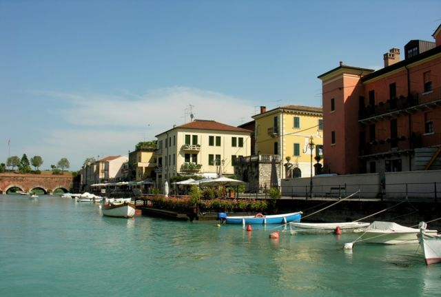 Porto Peschiera del Garda - Movingitalia.it